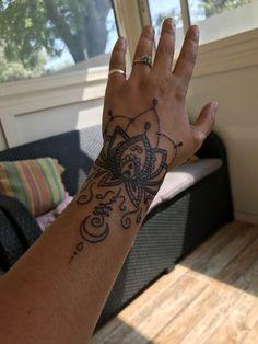 Elegant Tattoos, Sexy Tattoos, Body Art Tattoos, Tatoos, Mandala Wrist Tattoo, Wrist Tattoo Cover Up, Tribal Hand Tattoos, Hand Tats, Cuff Tattoo