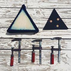 Itajime Shibori! Más allá del Atar y Teñir #TintesNaturales #Shibori #Indigo #DiseñoTridimensional   ***  Itajime Shibori! Beyond Tie Dye! #Shibori #NaturalDyes #Indigo #TridimensionalDesign