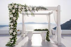 Classic, White & Gold Wedding at Dana Villas, Santorini See more here Contact: Service - Photographers Website - www.photographergreece.com googletag.cmd.push(function() { googletag.display('div-gpt-ad-1509737580372-0'); });