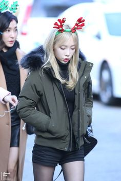 Thank You (39) ‏@taeyeon39com 151204 뮤직뱅크 출근 PIC 28P UPLOAD http://taeyeon39.com/72421