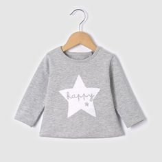 From classic to sports to trendy - discover our range of sweaters and cardigans for baby boys: tiny little clothes to keep your cute little boys warm! Cute Girl Outfits, Toddler Outfits, Kids Outfits, Little Boy Fashion, Kids Fashion, Pull Bebe, Salopette Jeans, Frocks For Girls, Unisex Baby Clothes