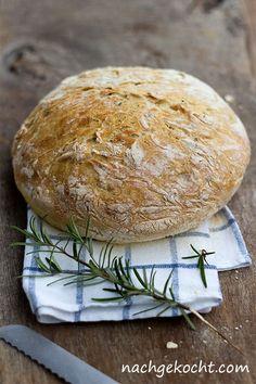 Haselnut Rosmary no-kead bread (German & English) Cooking Bread, Easy Cooking, Bread Baking, Baking Recipes, Bread Recipes, Vegan Recipes, Bread Bun, Bread Rolls, Olives