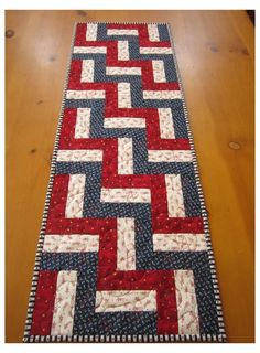 Patchwork Table Runner, Table Runner And Placemats, Table Runner Pattern, Quilted Table Runners, Rag Quilt, Quilt Blocks, Quilting Projects, Quilting Designs, Quilting Ideas