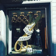 WEBSTA @ corinbirchall - Fashion week in Milano, bring in the VM big guns!! #windowdisplay #shopwindow