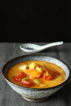 Vegetarisk thaisuppe halver rød karry