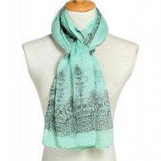ba97f7f1150 Foulard imprimé baroque chic -  foulard  mode  tendance  fashion  milenamoda  milena-moda.com