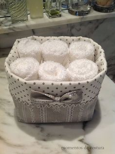 Fabric basket for hand towels Fabric Crafts, Sewing Crafts, Sewing Projects, Home Crafts, Diy And Crafts, Fabric Bowls, Sewing Baskets, Fabric Storage, Decorative Storage