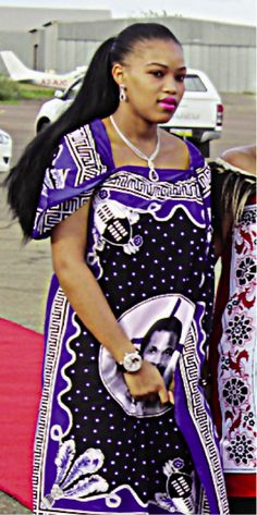 """Ritual Wife Sindiswa Dlamini, """"The Liphovela"""" (Born: Married: A Miss Cultural Heritage finalist, the local beauty pageant participant Sindiswa Dlamini had only just graduated from the religious Mbabane's St. Francis High School (the year before). African Traditional Wedding, African Traditional Dresses, Traditional Outfits, African Wear, African Dress, African Theme, African Style, Zulu, Black King And Queen"""