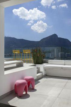 Cobertura Solar Princesa Marcela / Intown Arquitetura #pool #outdoor