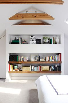 Love the open shelves in this bedroom