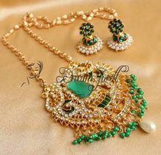 Beautiful green huge pendant long chain necklace set