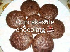 Cupcakes de chocolate rellenos con manjar casero