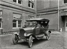 Shorpy Historical Photo Archive :: Car Radio: 1924