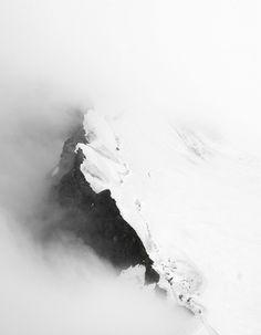 Gipfel im Nebel landscape black and white photography mountain nature Landscape Photography, Nature Photography, Mountain Photography, Photography Backgrounds, Travel Photography, Minimal Photography, Photography Gallery, Landscape Photos, Creative Photography