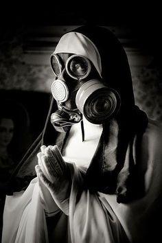 Nun & holy gaz mask by Stéphane Giner. Gas Mask Art, Masks Art, Gas Masks, Arte Obscura, Photocollage, Creepy Art, Dark Fantasy, Steampunk, Monochrome
