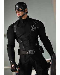 Captain America Concept suit for his debut in the avengers. Chris Evans Captain America, Marvel Captain America, Captain America Costume, Marvel Comics, Marvel Vs, Marvel Memes, Marvel Logo, Marvel Girls, The Avengers