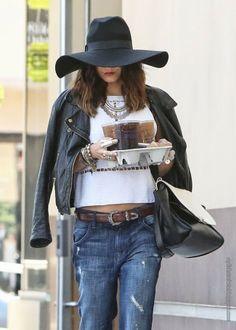 Stylish Starlets: Street Style: Vanessa Hudgens