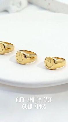 Simple Earrings, Women's Earrings, Cute Smiley Face, Golden Jewelry, Cute Comics, Cute Rings, Face Art, Promise Rings, Diy Jewelry