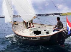 Lovely boat to my eye. Probably gaff rigged full keel pilot-type Small Yachts, Wooden Sailboat, Runabout Boat, Small Sailboats, Classic Sailing, Electric Boat, Best Boats, Yacht Interior, Wood Boats