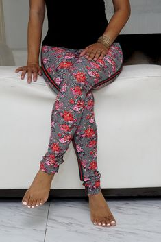 Evening Outfits, Cat Pattern, Sexy Feet, Casual Wear, The Selection, Capri Pants, Leggings, Legs, Model