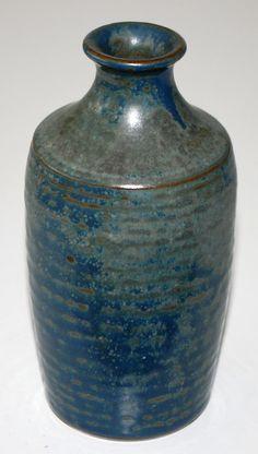 Erik Hjorth, Hjorth Keramik, Denmark. H: 12. W: 5,5 cm.