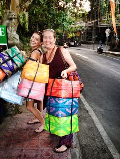 BALI : Sacred Pregnancy LIVE INSTRUCTOR TRAINING Retreat  Sacred Shopping for goodies! #sacredpregnancyliveretreats #annidaulter #sacredlivingmovement Photo by Kiera Lillesve Foto
