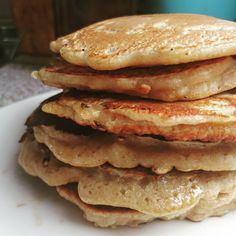 This is a very easy recipe to make pancakes, the original recipe is from Jamie Oliver but I have been adapting it to our needs and especially to the ingredients that I had at home. Baby Food Recipes, Sweet Recipes, Cooking Recipes, Crepes And Waffles, Good Food, Yummy Food, Breakfast For Dinner, Sweet Desserts, Diy Food