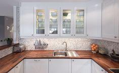 Oppussing av stue og kjøkken Kitchen Cabinets, Home Decor, Decoration Home, Room Decor, Cabinets, Home Interior Design, Dressers, Home Decoration, Kitchen Cupboards