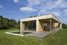 Love the clean lines and straightforward floorplan. Modern Weekend House in Bus, Czech Republic Wooden Architecture, Residential Architecture, Architecture Design, Weekend House, Contemporary House Plans, Wooden House, Prefab, Beautiful Homes, Construction