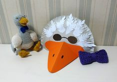 Gänsemaske Paper Plate Crafts, Paper Plates, Diy Ostern, Easter Crafts, Dinosaur Stuffed Animal, Religion, Projects To Try, Halloween, Toys