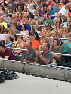 Who's that on the front row at Lauren Daigle?