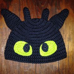 "How To Train Your Dragon Inspired ""Toothless"" Crochet Hat"