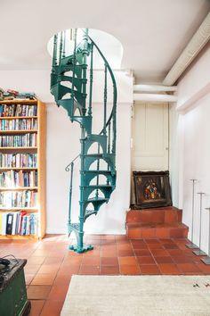 Kotona Kalliossa, osa 6- kuvasarja blogissa. Kuvat: Johanna Levomäki Decor, Furniture, Stairs, Chair, Home, Hanging, Hanging Chair, Home Decor