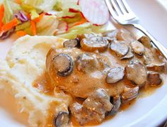 Chef Mommy: Slow Cooker: Mushroom Chicken ( - we did not care for this at All :( Crock Pot Food, Crockpot Dishes, Crock Pot Slow Cooker, Slow Cooker Recipes, Crockpot Recipes, Cooking Recipes, Chicken Mushroom Recipes, Chicken Recipes, Mushroom Sauce