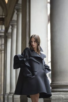 This coat just exudes a Haute Couture felling. It's fabulous, it's gorgeous and it has the WOW factor