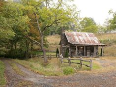 , tiny log cabin in Green Mountain, North Carolina on a that's for sale. Tiny Log Cabins, Old Cabins, Cabins And Cottages, Small Cabins, Green Mountain, Country Barns, Country Life, Country Living, Cabin Homes