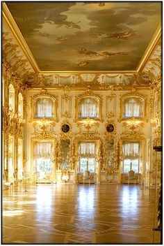 Peterhof Palace-The grand ballroom, St Petersburg. Beautiful Architecture, Beautiful Buildings, Architecture Details, Peterhof Palace, La Rive, St Petersburg Russia, Le Palais, Ballrooms, Interior Exterior