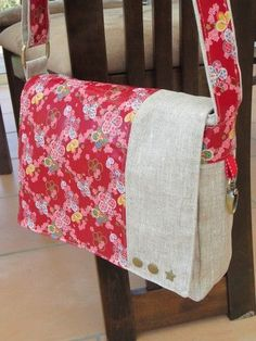 Origami corners on bags - it's so easy!:Informations About Origamiecken bei Taschen- das geht so einfach! Diy Bags Purses, Purses And Handbags, Diy Bags Patterns, Pouch Pattern, Jute Bags, China Girl, Patchwork Bags, Fabric Bags, Love Sewing
