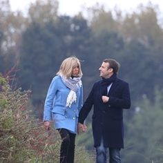 Emmanuel Macron and his wife walk in Le Touquet, France on eve of elections (333471)