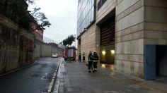 Un incendio en el garaje de Hacienda colapsa la entrada a Bilbao