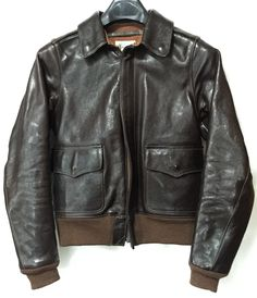 THE FEW A-2 Flight Jacket BADALASSI CARLO Vintage Leather Jacket, Leather Jackets, Leather Fashion, Mens Fashion, Military Jackets, Bomber Jackets, Mens Gloves, Men's Collection, Motorcycle Jacket