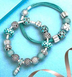 Tendance Bracelets  PANDORA | Charm Nautique Pavé à Rayures Bleues  Tendance & idée Bracelets 2016/2017 Description Charm Ciel Etoile Bleu Nuit