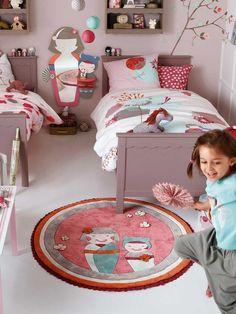 Girls room shelves above beds are a must in our house. Nursery Room, Baby Room, Shelf Above Bed, Daughters Room, Room Shelves, Little Girl Rooms, Home Decor Bedroom, Design Bedroom, Girls Bedroom