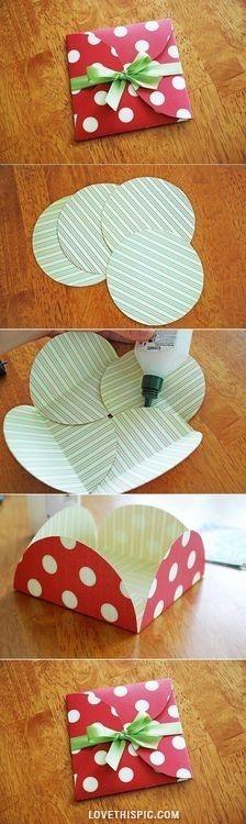 DIY Simple Beautiful Envelope - A faire soit-même : Une enveloppe avec 4 cercles + 1 ruban #bricolage #offrir #cadeau ideecadeau.fr