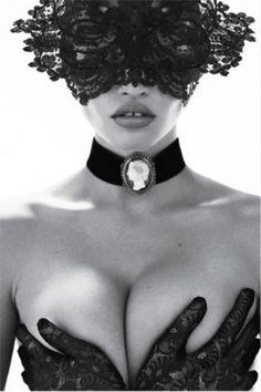 Lara Stone in French Vogue