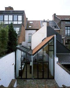 Architectura - Belgian Architecture Awards: Stadthaus der ONO-Architektur in . Architecture Design, Residential Architecture, Amazing Architecture, Architecture Awards, Pavilion Architecture, Japanese Architecture, Sustainable Architecture, Contemporary Architecture, Landscape Architecture