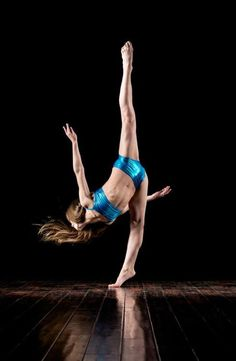Dance 4, Show Dance, Dance Class, Dance Moves, Just Dance, Dance Moms Sophia, Dance Moms Girls, Dance Photos, Dance Pictures
