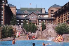 Disney Resort Hotels, Disney's Wilderness Lodge - Guests In Pool, Walt Disney World Resort