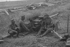 5cm Panzerabwehrkanone 38 crew take a breather