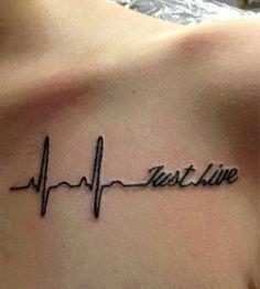 tatuagens femininas no braço com frases